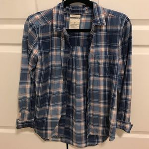 American Eagle boyfriend fit plaid button up